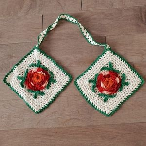 Vintage crochet kitchen pot holder with ro…
